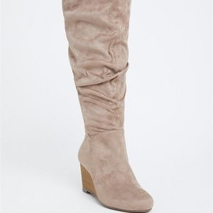 GREY FAUX SUEDE SLOUCHY KNEE-HIGH WEDGE BOOT